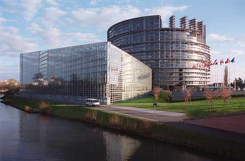 Euroopa Parlamendi hoone Strasbourgis (foto: www.bmvbs.de)
