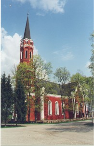 Püha Annale pühendatud Halliste kirik. Foto:www.halliste.ee