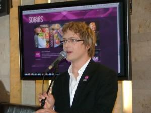 Solarise juhatuse liige Peeter Rebane tutvustab keskust