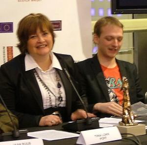 PÖFFi juht Tiina Lokk ja Just Filmi tegevjuht Mikk Granström pressikonverentsil 20.11.09
