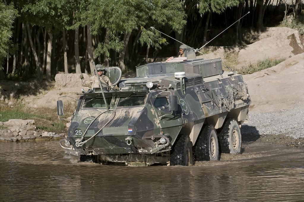 Soomustransportöör SISU XA-188