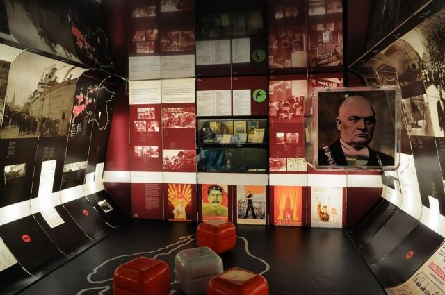 """Näitus """"Iseolemise tahe"""". Sündmused 1939-1940 (foto: Ajaloomuuseum)"""
