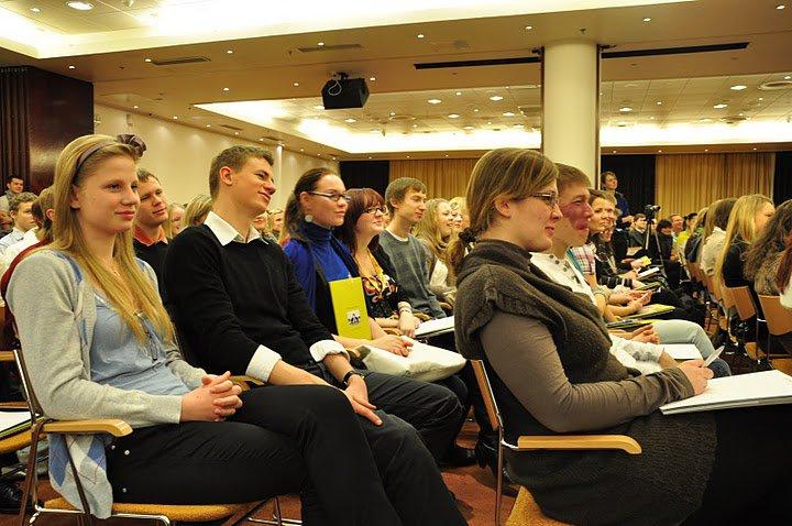 Eesti Noorte Foorum 2010 (foto: Foorumi Facebooki-leht)