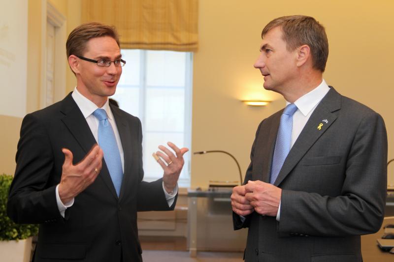 Peaministrid Katainen ja Ansip Stenbocki majas 27.06.2011 (foto: Riigikantselei)