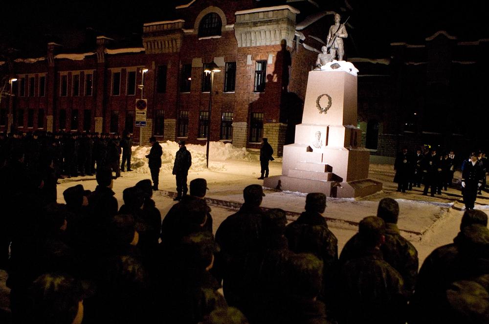 Kõrgema Sõjakooli kadetid 2010. aasta mälestusrivistusel (foto: www.mil.ee)