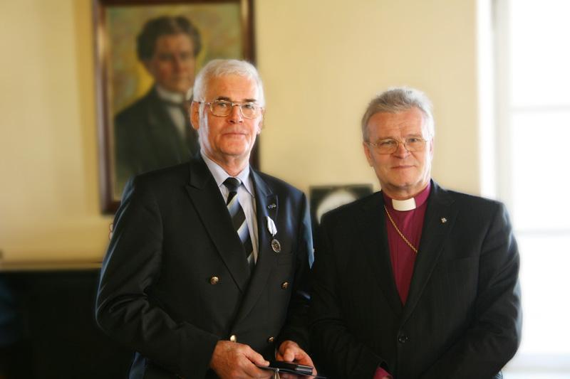 Hr Kramer ja peapiiskop Põder (foto: EELK Konsistoorium)